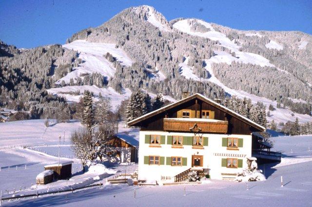Haus Winter 12-2001